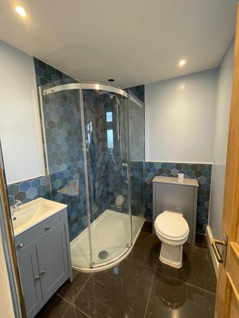 Bathroom Tiling & Painting