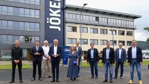 Wirtschaftsminister Tarek Al-Wazir besucht Schlüchtern und Bauunternehmen Jökel
