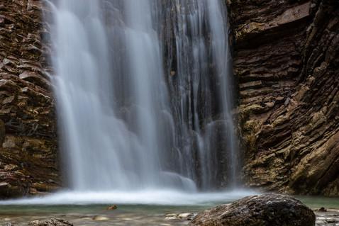 Frühling-Bach-Wasserfall-Steine-Unterammergau-Oberbayern-Bayern-Deutschland-Andreas-Gärtne