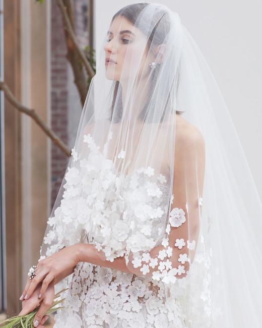 oscar-de-la-renta-wedding-dress-spring2018-6347946-11_vert