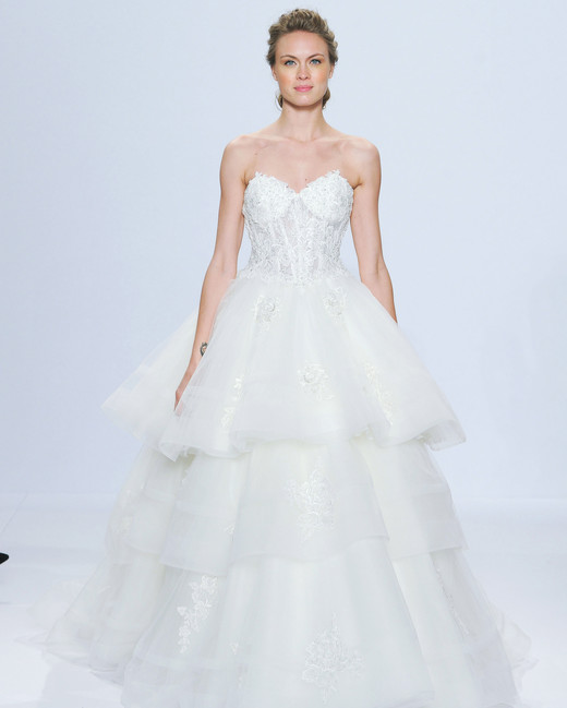 randy-fenoli-wedding-dress-spring2018-6339053-009_vert