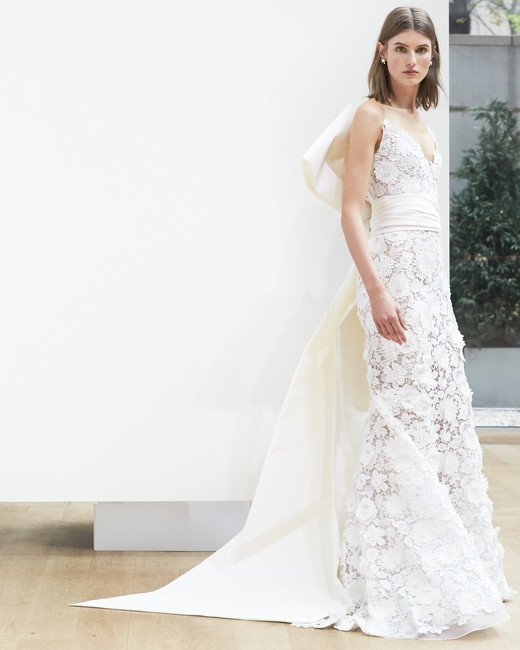 oscar-de-la-renta-wedding-dress-spring2018-6347946-6_vert