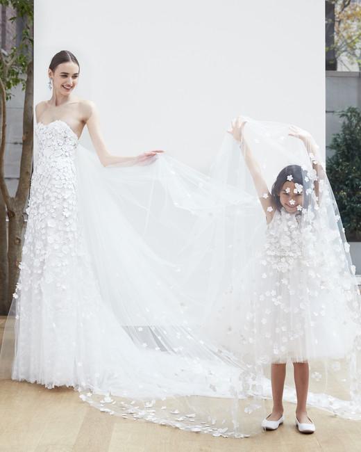 oscar-de-la-renta-wedding-dress-spring2018-6347946-12_vert