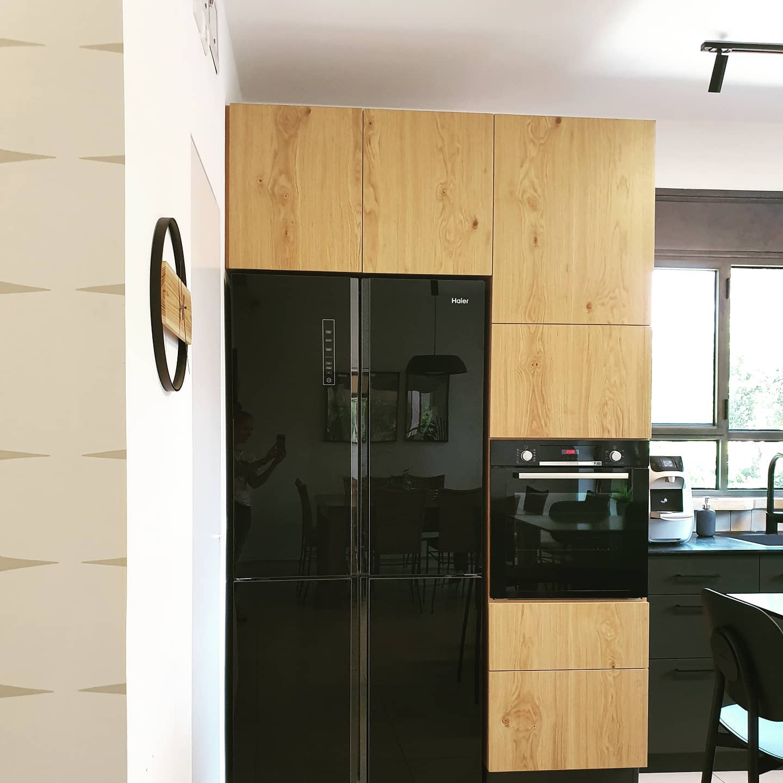 Black & Wood Kitchen