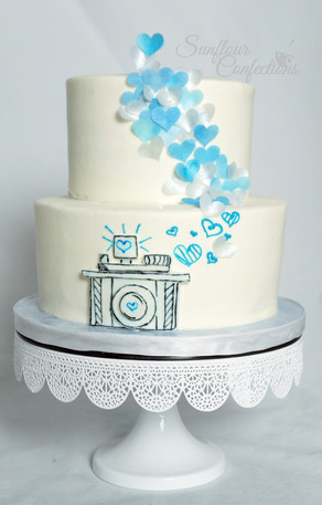 photography cake.jpg