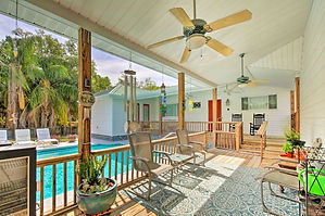 Vacation Rental Edna's Place 5447 S Blvd.