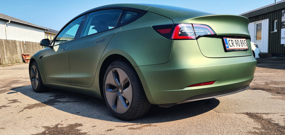 Folieindpakning af Tesla