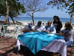 Pascual firmando en Costamabar.JPG