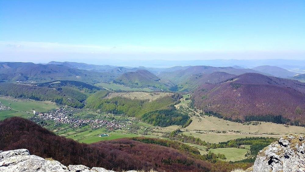 Pohľad z vrcholu Strážov