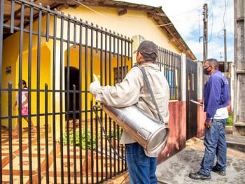Visita de casas é essencial no combate à dengue, diz coordenador