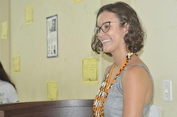"""""""Podemos fazer um mundo melhor com nossas atitudes"""" afirma estudante que criou escola improvisada pa"""