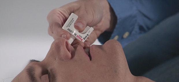 Narcan-nasal-spray-proper-use.jpg