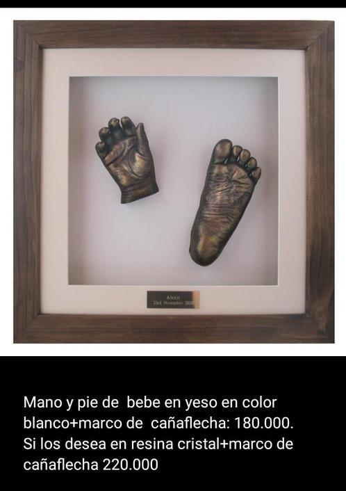 Mano y pie bebé resina cristal/ marco cañaflecha