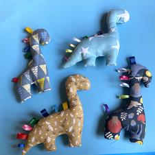 Dinosaurios en tela
