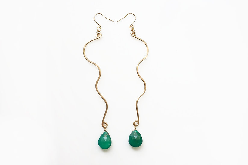 Snake line earring- Green onyx
