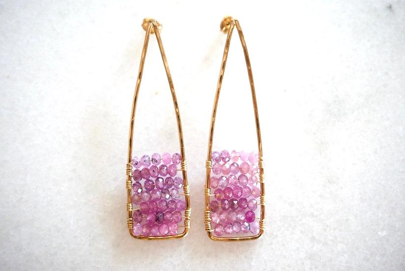 Pink sapphire acute earring