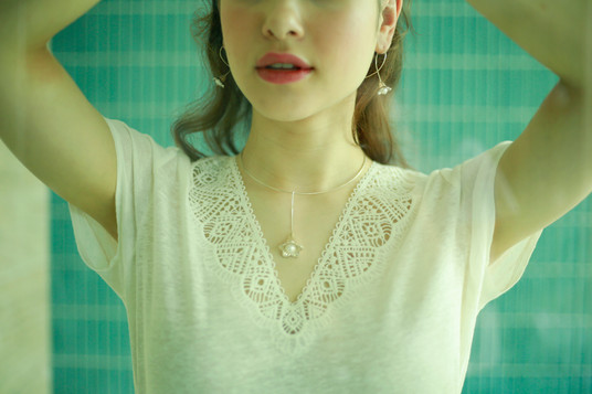 Bellflower pearl necklace