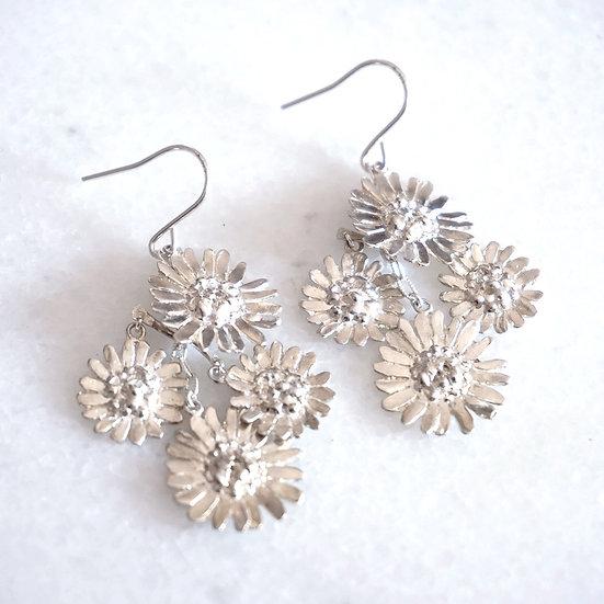 Daisy dangle silver earring