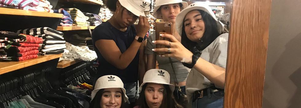 Shopping II.JPG
