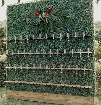 Greenery Champagne wall