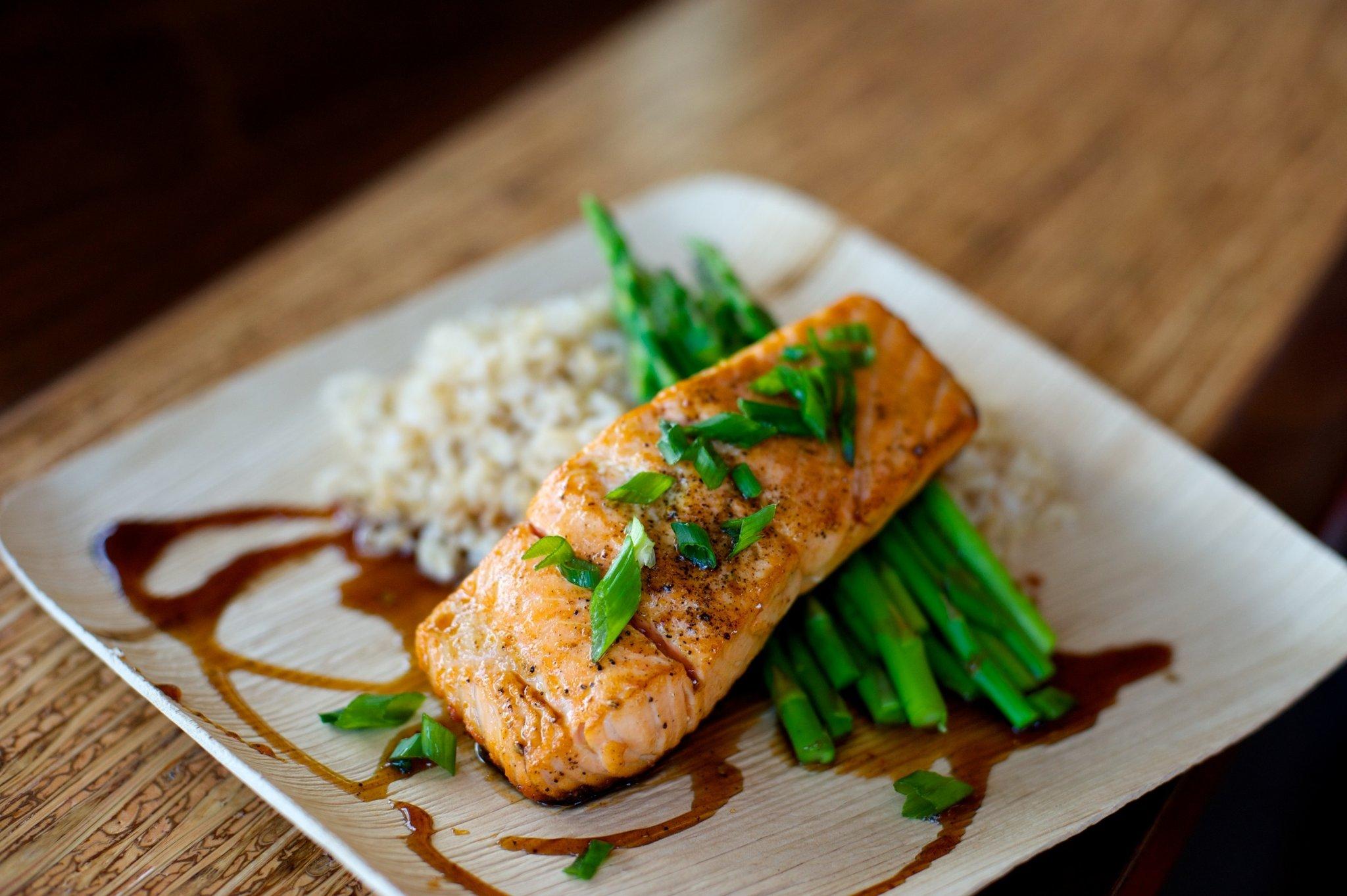 Salmon plate