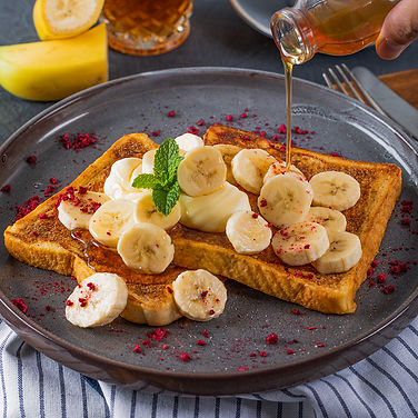 french toast with banana & butterscotch.