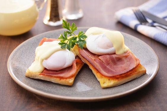 eggs-benedict-with-bacon.jpg