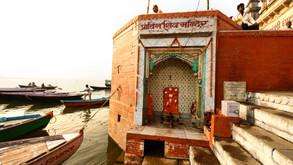Ghaats at Varanasi 02.jpg