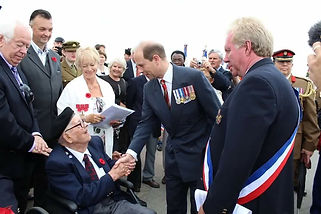 HRH The Earl of Wessex meets Gunner Albe