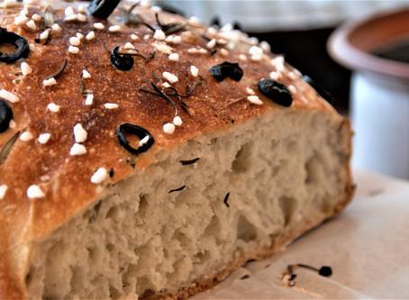 Oliven-Walnuss Brot mit Rosmarin