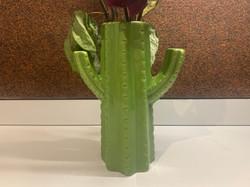 仙人掌小花瓶 8元