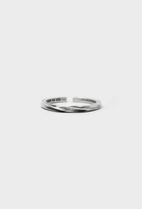 """U034 """" KNOT1 """" RING / SILVER"""