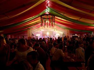 Bierfass Oktoberfest Poole 2.jpg