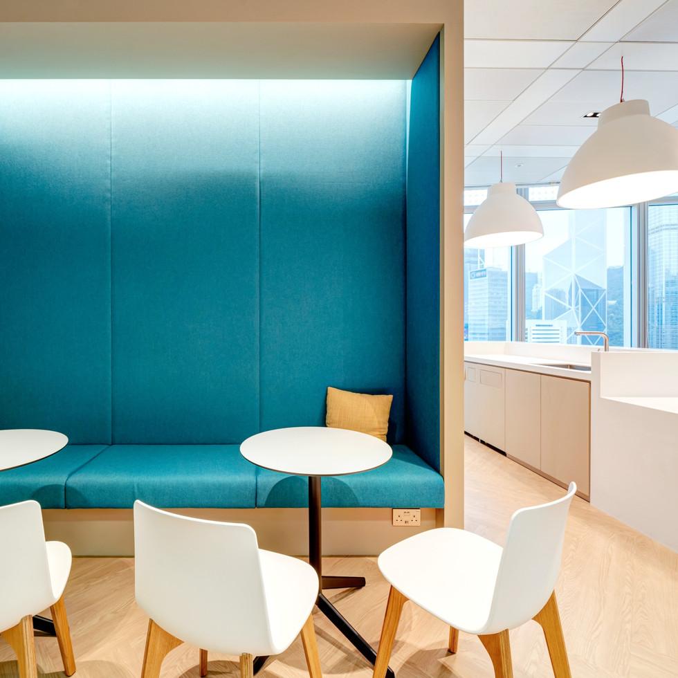 Huaxia Bank Hong Kong branch office interior design by YO Design