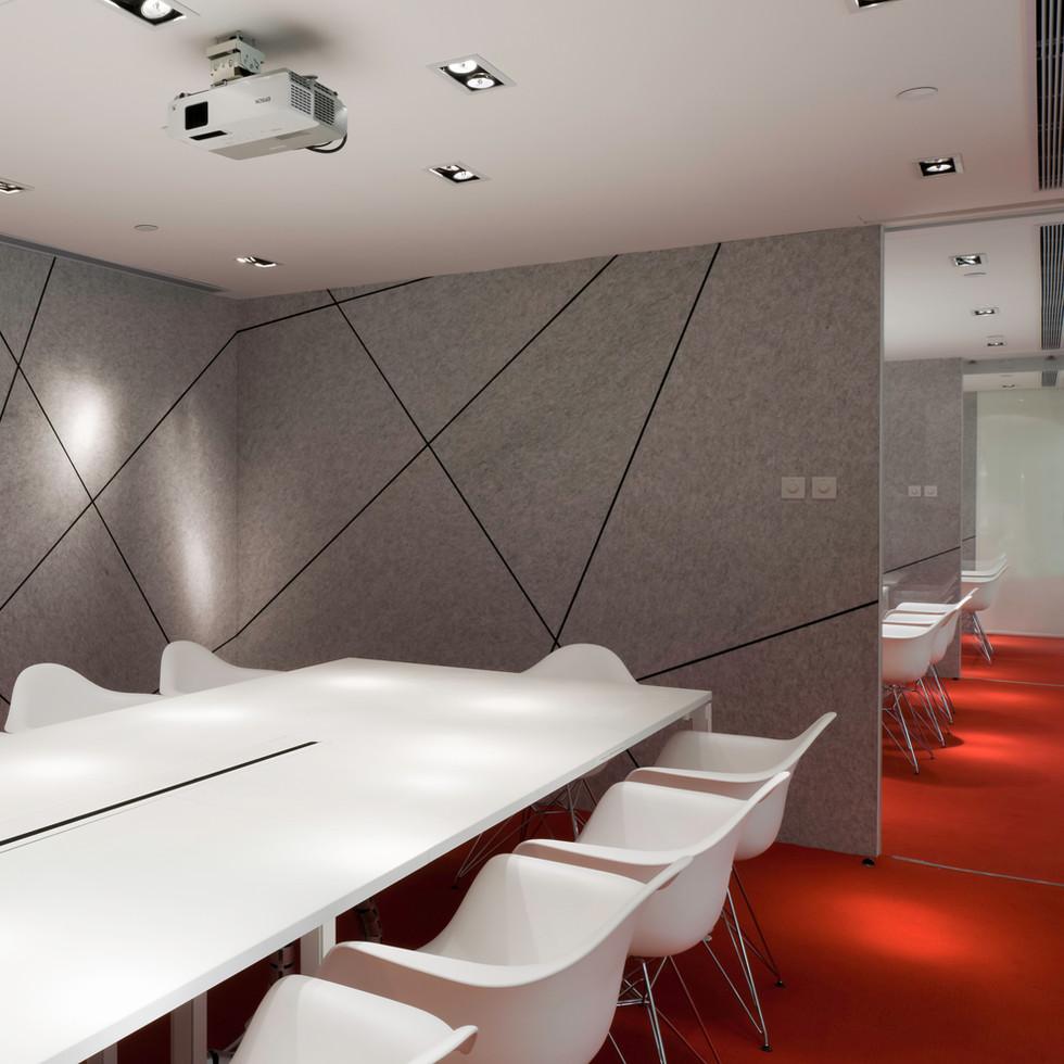 YO_Design_meeting_space_red_carpet.jpg