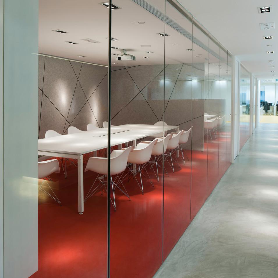 yo_design_meeting_room_red.jpg