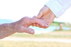 séniors, dépendance, service à domicile, service à la personne