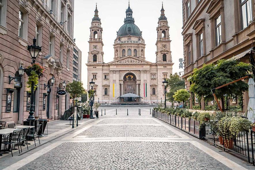 St-Stephen-Basilica-Budapest-1.jpg