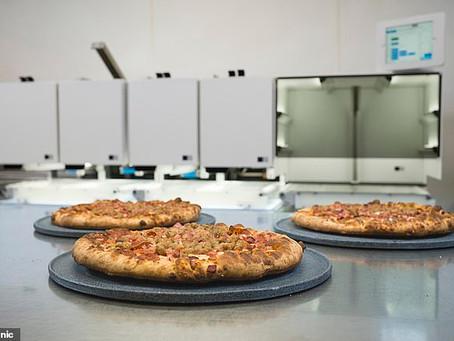 Robô que fabrica pizzas capaz de montar e cozinhar 300 pizzas por hora!