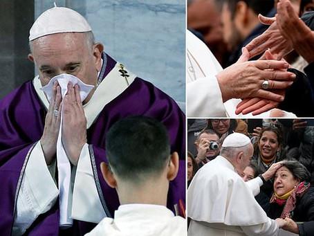 Doença obriga o Papa a cancelar um evento em Roma.
