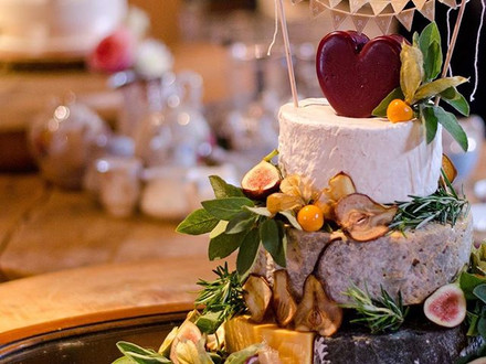 Cake of Cheese with flowers