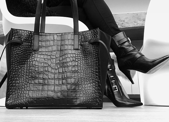 Tote made of crocodile embossed leather, combined with calfskin.