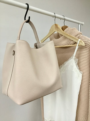 Hobo Bag in supple grained nude leather