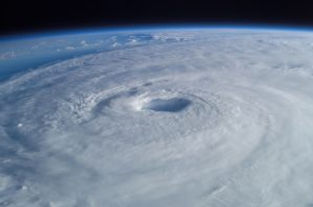 tropical-cyclone-63124_1920-300x198.jpg