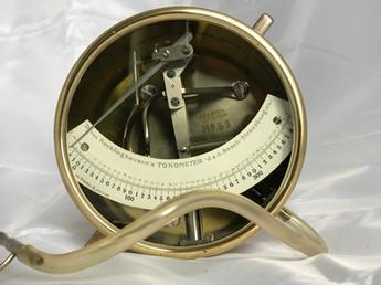 Von Recklinghausen Tonometer