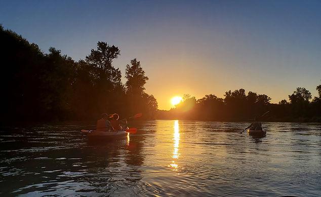 Traversée en Canöe Kayak du Rhône sauvage en soirée