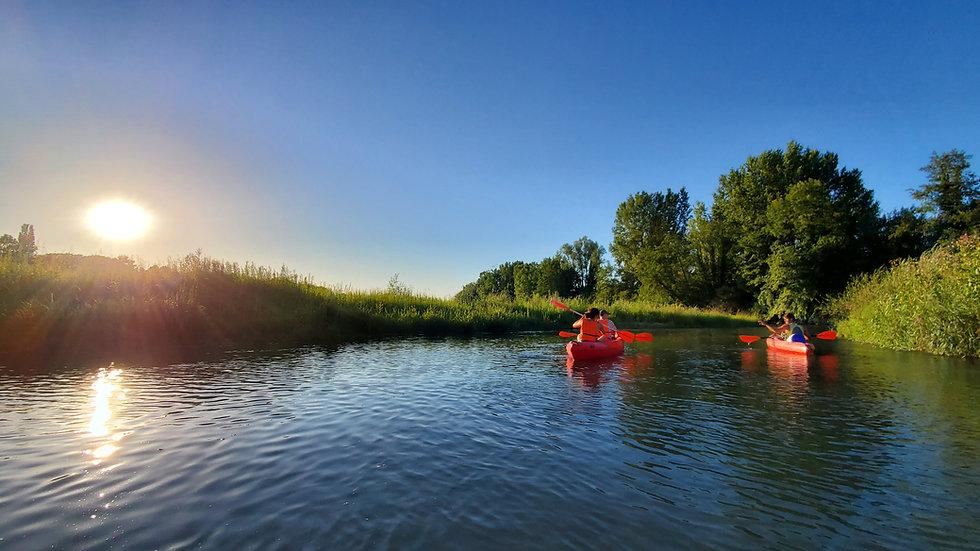 Parcours en canoë kayak sur la rivière du guiers entre l'Isère et la Savoie à Pont de Beauvoisin