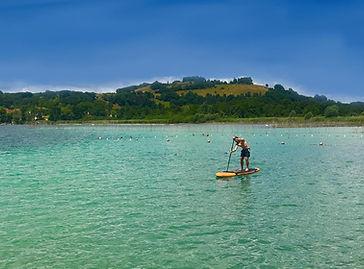 Location de Stand Up Paddle avec FoxaGliss sur le Plan d'eau de Cuchet