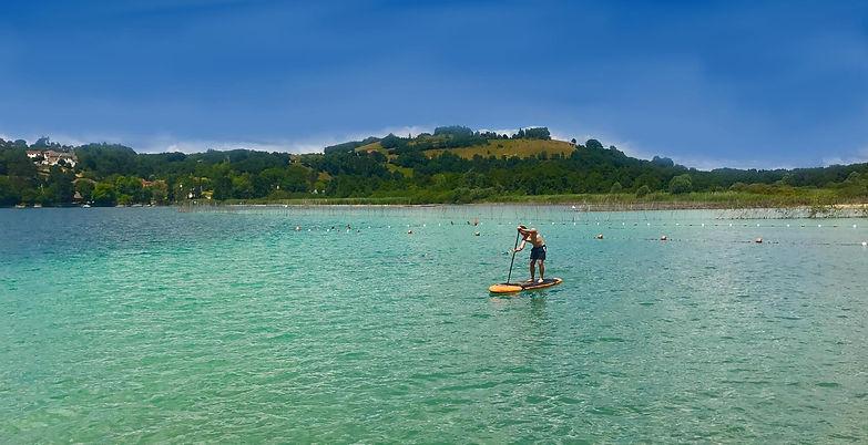 Location de Stand Up Paddle à la base nautique de Montferrat et celle de Cuchet sur un choix diverse de parcours.
