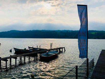 Lac de Paladru vue du ponton de la Plage de Montferrat
